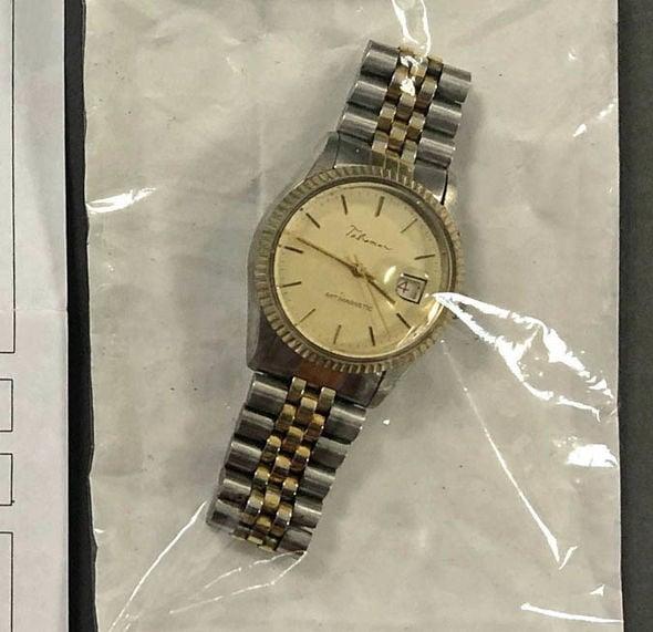 watch-1529773