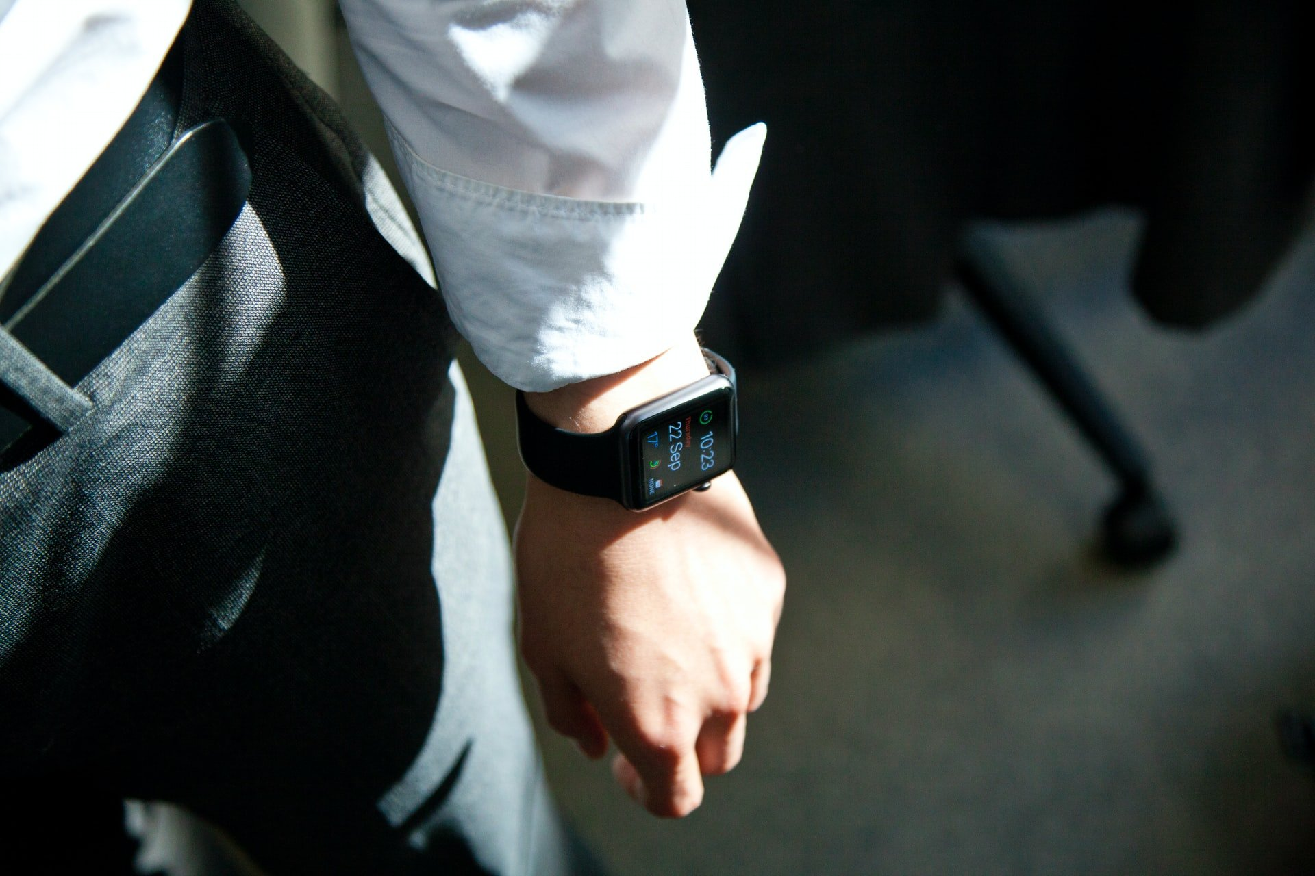 A Guide On Buying a Gentleman's Smartwatch