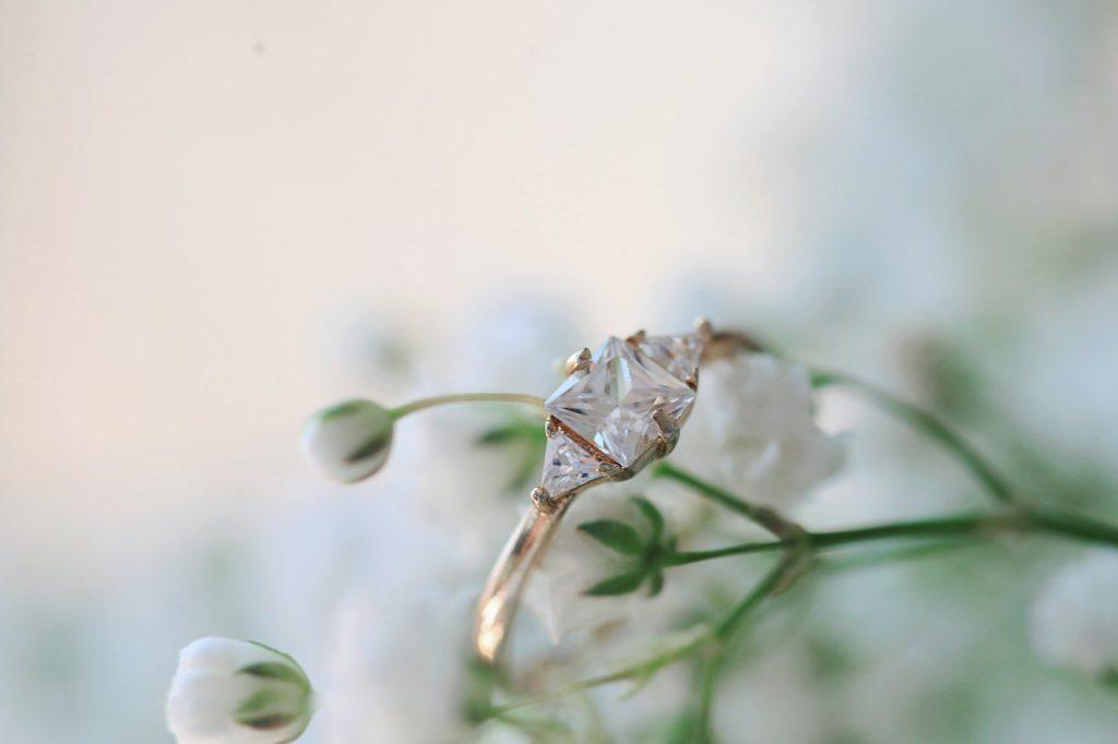 History of diamond engagement rings