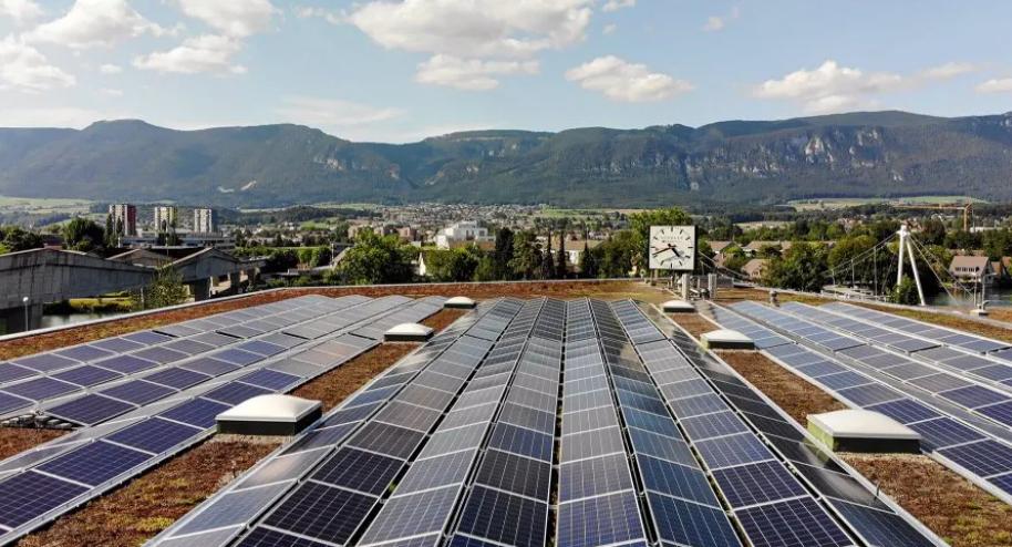 mondaine solar power