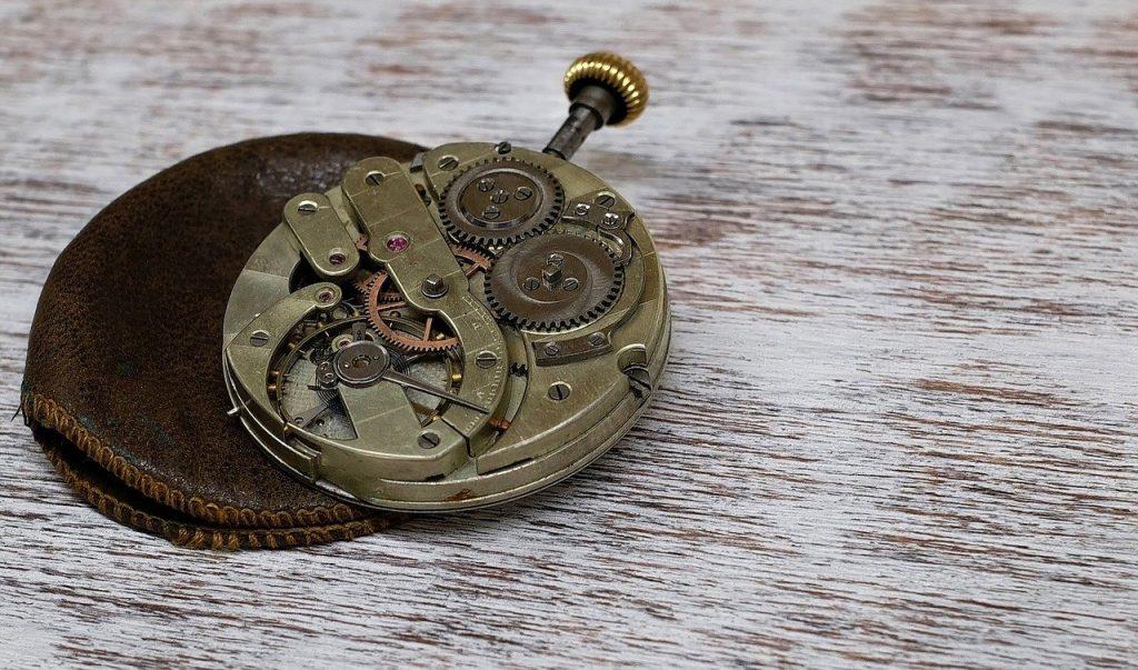5 Mechanical Watches Under £1000