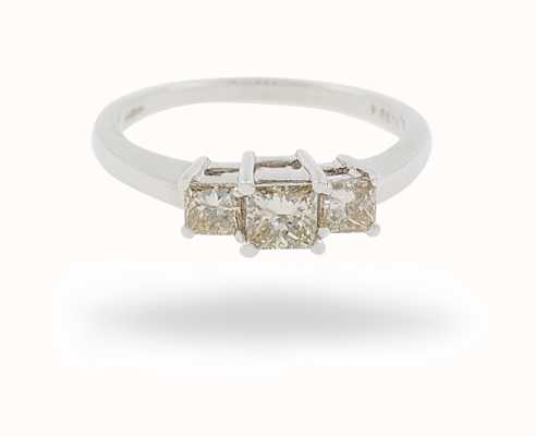 18k W/g 0.72ct 3 Stone Dia Ring JM8945