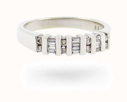 9k W/gold Dia Ring JM1668